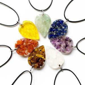 Perline di cristallo Chips geometrica Spiritual Healing 1pc collana 7 Chakra Stones Orgonite resina collana pendente di energia Gioielli