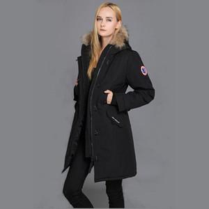 Çıkarılabilir cepler ve ceket aşağı kapüşonlu kürk yakalı Peuterey İtalyan erkek markadan ceket aşağı. wm içinde Hafif kapüşonlu aşağı ceket