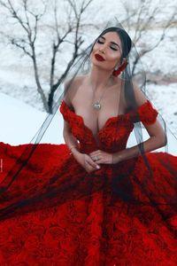 Rose romántica vestidos de novia Flores, rojo 2,020 vestido de la vendimia del hombro Off Jardín floral País compromiso de la boda vestidos de novia posterior Con cordones