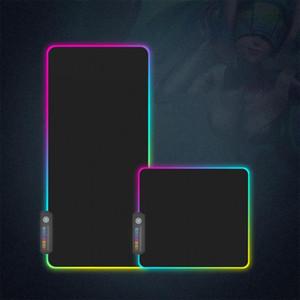 En stock extra grande Teclados Pad Soft juego alfombrilla de ratón RGB luz de gran tamaño que brilla intensamente 7 colores de ratón para PC / ordenador portátil de la venta caliente LED