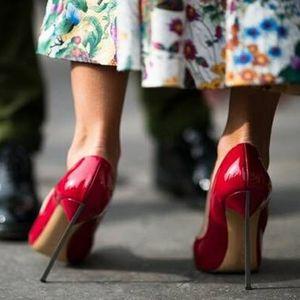Ladies 2021T-estágio Sólidos Bombas de couro genuíno concisos slip-on Ponto Outs Toe Cut sapatas do partido do metal stiletto queda Sapatos único sapatos