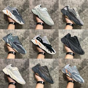 Dalga koşucu 700 Kanye West MNVN Turuncu Üçlü Siyah Yansıtıcı koşu ayakkabıları Katı Gri mıknatıs Vanta Karbon Mavi Atalet V1 V2 spor ayakkabılar adam