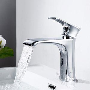 Chrome Latão bacia banheiro Mixer Hot And Cold Toque Cachoeira WC Banheira Single Hole Mixer Tap