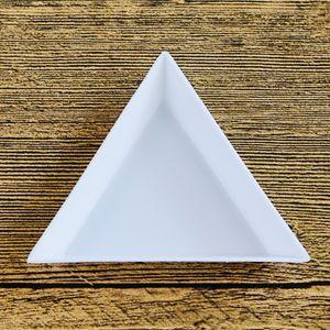 10 5Pcs DIY Triangle Round Plastic Nail Tray Rhinestones Art Beads Crystal Nail Art Painting Plate Sorting Trays Accessory White