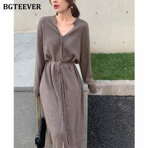 BGTEEVER Mulheres Vintage Vestido de malha Outono Inverno Breve V-neck Quente cordão Lace-up solto Midi Feminino Vestido de malha 2020 T200911