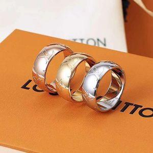 luxo designer de jóias mulheres anéis oco cartas a prata de aço anel de diamante de titânio ouro rosa 18K anéis de noivado de ouro para as mulheres