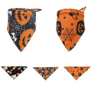 Toalla universal de Halloween para mascotas Triángulo bufanda del babero del gato del perro cráneo calabaza Party Festival baberos Decoración 3 Estilo HH9-3309