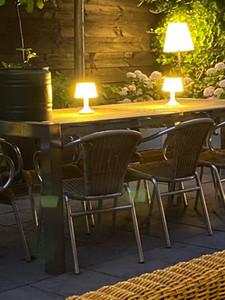 Risparmio energetico solare del USB della batteria ricaricabile 5 modalità di luce da tavolo regolabile Lampade da tavolo LED Lampada da lettura con telecomando