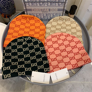 Nuove 2020 Fashion Canada marchio popolare Monc pelliccia reale Pompon lavorato a maglia Berretti buona qualità inverno caldo papaline Cappelli Cuff Beanie per gli uomini di