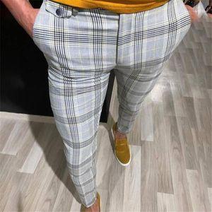 Pantalones para hombre del nuevo de la llegada de la tela escocesa de diseño pantalones para hombre Casual Male flaca de los pantalones del lápiz de moda del estilo de la calle