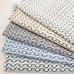 Curve horizontal line printing cotton fabric suitable for home decoration clothing bedding DIY fabric