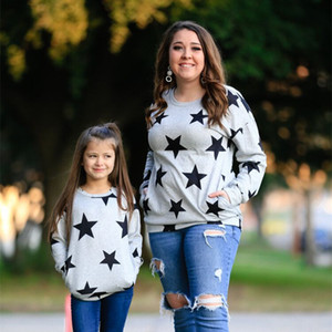 2021 Новые Мать и дочь Matching Одежда Девочки футболки Топы Fashiop Lesure Наряды звезды свитер Комфортное Family Look