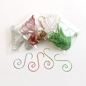 20 pcs lot Christmas Tree Decoration Hook Swirl Shape Hanger Hooks Small Hook for Christmas Tree Pendant Decor 120bag T1I2430