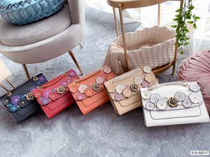Mulheres Bolsas Nomeado Marca mulheres camellia Cadeia Cruz Body Bags Couro Simples Estilo Luxo Saco