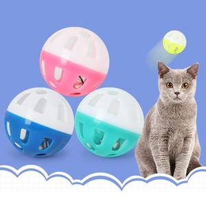 Pet Giocattoli di plastica Hollow domestico del gatto colorato palla giocattolo con Bell Lovable Campana Voice plastica Interactive sfera Tinkle Cucciolo che gioca giocattolo BH3591 DBC