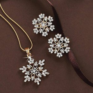 New jewelry set, simple temperament, full diamond snowflake necklace, snowflake earrings, Valentine's Day gift