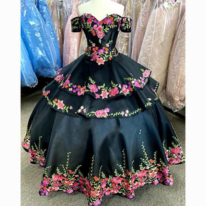 Mexican Black Quinceanera Dresses Embroidery Floral Applique Off The Shoulder Bandage Homecoming Dress Cheap Prom Ball Gowns