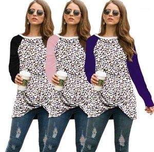 Сыпучего Tshirt Женской одежды Осень Женщина Конструктор Tshirts Мода Leopard Printed Женщина шея экипаж с длинным рукав