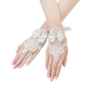 Fünf Finger Handschuhe fingerlos kurzer Spitze Blumenherz Rhinestone Bowknot Weiches Zubehör 10.9