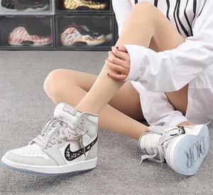 2020 Dior Oblique B23 B24 AJ 1 Air Low High Top com Kanye Moda Homme X KAWS por Kim Jones Casual Sports Shoes Basketball Sneakers99