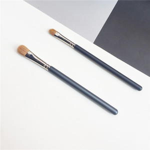bdbeaute The Shader Brush 242 252 - Synthetic Concealer Highlighter Cream Liquid Eyeshadow Makeup Eye Brush