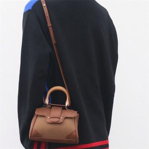 المرأة غير تعميم نمط ريترو مقبض خشبي حقيبة يد حقيبة براثن جلدية PU الكتف حقيبة مربع صغير