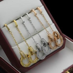 أوروبا أمريكا نمط سيدة النساء التيتانيوم الصلب شرابات كاليفورنيا الأولية دائرة مزدوجة إعداد الماس المسمار مسمار أقراط طويلة 3 اللون