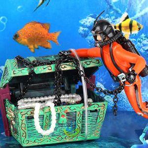 1PCS 새로운 독특한 디자인 보물 사냥꾼 다이버 액션 피겨 물고기 탱크 장식적인 조경 수족관 장식 액세서리