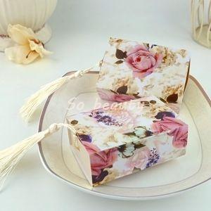 100pcs Rose Cassetto Tipo Scatole di caramelle con nappe Matrimonio Bomboniera Baby Shower Building Sweet Party Box regalo