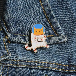 Space Suit Cat Enamel Pins Cartoon Animal Dog Brooch for Women Men Jackets Collar Lapel Pin Bag Lovely Badge Gift Custom Jewelry