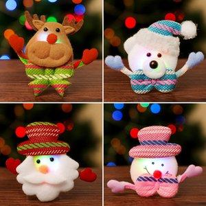 BroochChristmas luminoso Spilla Babbo Natale del pupazzo di neve del fumetto Distintivo adulti bambini Decorazioni Abbigliamento Accessori