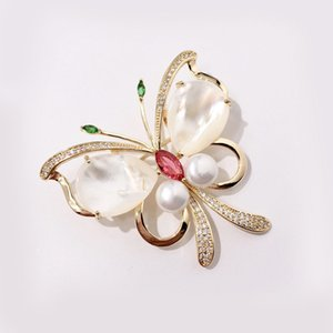 Fashion Butterfly Brooches Ladies Luxury Animal Design Brooch Womens Dress Brooches Fashion Hip Hop Jewelry Lover Gift