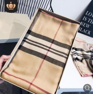 Марка высшего класса дизайн осени известный дизайнер письмо шарф повелительниц VVV роскошного кашемира шарфа высокого качества 180 * 70 см