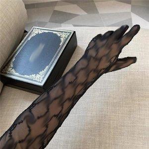 Carta de lujo G encaje de malla guantes de la manera translúcidos Womens cinco dedos Guantes Classic transpirable manoplas manoplas calientes Ins agradable a la piel