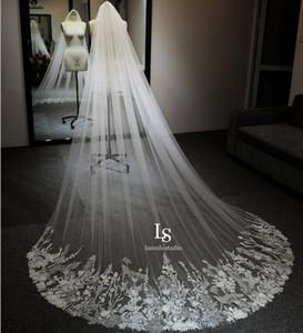 Chapel Length Long Wedding Veil with Lace Appliques Vestido De Noiva Longo Custom Made Elegant Bridal Veil with Comb