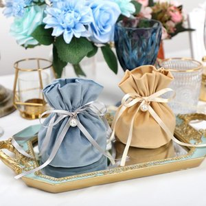 Luxury Packing Drawstring Velvet Pouch Sachet Gift Bag for Jewelry Wedding Candy Boxes with Pearl String Decor Favors Bags