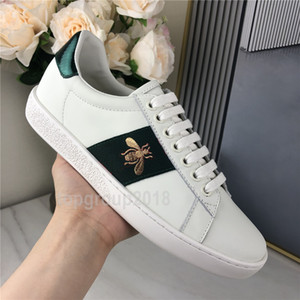 2021 Hommes Femmes Chaussures Casual Chaussures en cuir Plateau plat Sneakers Ace Bee vert Red Stripes Chaussures de tennis de sport Formateurs Broderie Chaussures
