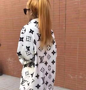 Осень / Зима дизайн жаккард Тяжелого пальто для женщин Моды Trend Сыпучего Hoodie Плюшевой куртки ватка коралл ватник Пара Jacket