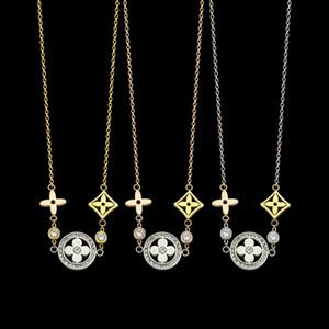 Новый бренд V письмо вырез четыре листа цветок кисточкой цвет ожерелье дамы три цвета четыре листа клевера ожерелье Бесплатная доставка