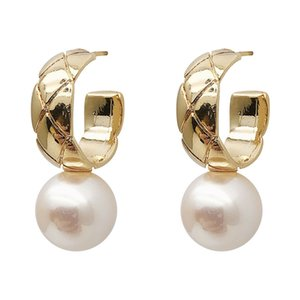 New Design Simulated Pearl Drop Earrings for Women Girl 2020 New Fashion Gold Color Plaid C Shape Dangle Earrings Jewelry Wholesale