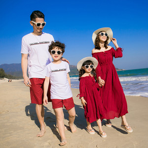 Holiday Family Matching Outfits Off Shoulder Mother and Daughter Dresses Mommy and Me Clothes Dad Son Clothing Sets Summer Look