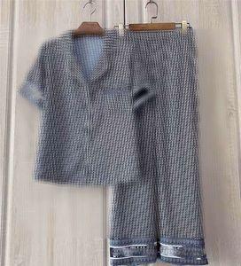 Luxus Letters Print Damen Nachtwäsche Sommer-Kurzschluss Silky Satin Frauen-Pyjamas Fashion Sexy Girls Shirts Heim Kleidung Sets High Quality