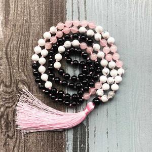 Mala Beads Rose Q-uartz Halskette handgeknüpfte 108 Mala Perlen Halskette Yoga Quaste Weißer Howlite Black Onyx Halskette