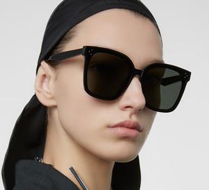 20 di nuovo disegno degli occhiali da sole degli uomini coreani di GM Trendy ampio frame Occhiali da sole donna Vintage delicato Occhiali da sole Pacchetto originale HER Y200415