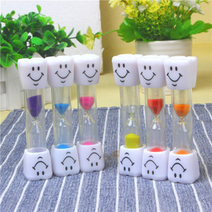 Мультфильм улыбается песочные часы три минуты дети щеточного украшения таймера творческой игрушки (декоративные объекты Figurinesgifts цветного песка