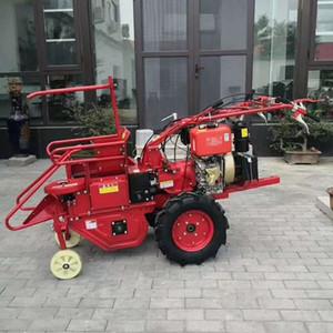 YF-246 200kg Küçük makine Büyük kapasiteli mısır sökme makinesi mısır / mısır hasat makinesi Pakistan / mısır hasat aracı