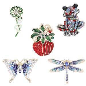 2020 Christmas foreign trade hot selling jewelry imitation animal series frog Dragonfly butterfly Apple Brooch wholesale