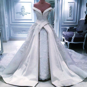 Weinlese weg von der Schulter Overskirt Brautkleider 2020 reizvolle lange Satin-Kapelleen-Zug-Spitze glänzenden Pailletten Brautkleider arabische Hochzeit Vestidos
