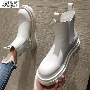 Slip-on Black Women Ankle Boots Elastic Opening Female Short Boots Round Toe Platform Low Heels Motorcycle Boots 200921