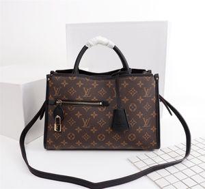Woman LuxurDesigner BagHandbags High Qualit y sMessen gers Bag LuxussrsSy Saddle Bay 43433-1